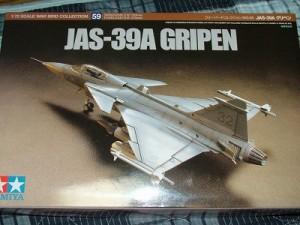 タミヤ1/72 JAS-39 グリペン パッケージ
